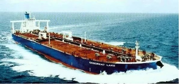 China first 300,000-ton VLCC freighter COSGREAT LAKE